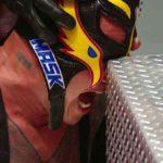 セス・ロリンズがレイ・ミステリオの目を突き刺す!【WWE・RAW・2020.5.11・PART2】
